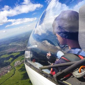 glider pilots, cabin, Glider, in Muelheim, Swabian Alb, Baden-Wuerttemberg, Germany - WDF002292