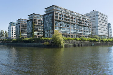 Germany, Berlin, view to modern multi-family houses and office buildings at Spree River - LAF000556