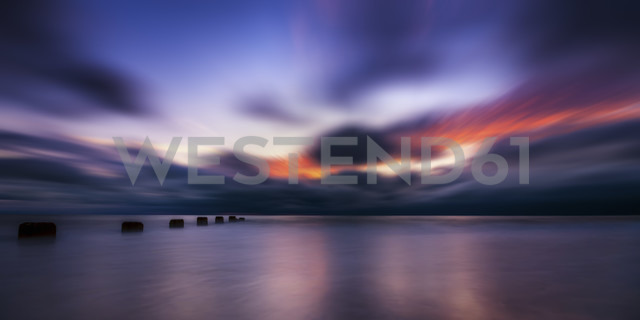 USA, Florida, Dunedin, Honeymoon Island State Park at sunset - SMAF000182