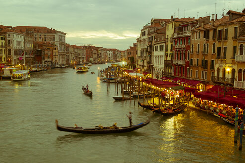 Italy, Venice, Canale Grande at dusk - EJW000287
