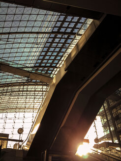 Sunset at central train station, Berlin, Germany - FB000232