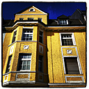 Germany, Hattingen, Old yellow building - HOHF000497