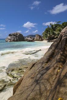 Seychelles, La Digue, beach landscape - KRP000298