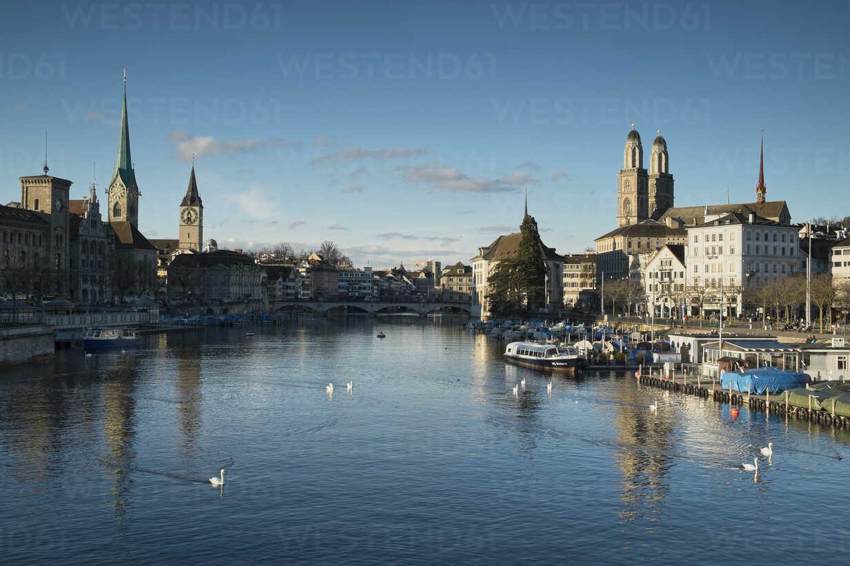Switzerland, Zurich, view to Limmat River and Limmatquai - ELF000893 - Markus Keller/Westend61