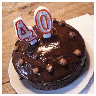 Chocolate Birthday cake with 40 candles - IPF000041