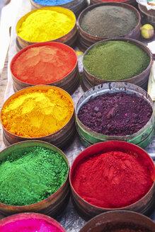 South America, Peru, Cusco, textile colors at market - KRPF000338