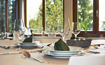 Festive laid table with individual table decoration - ONF000405