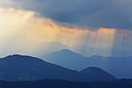Austria, Tyrol, Kitzbuehel Alps, View from Hohe Salve, rain clouds - SIEF005130