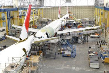 Airplane construction in a hangar - SCH000022