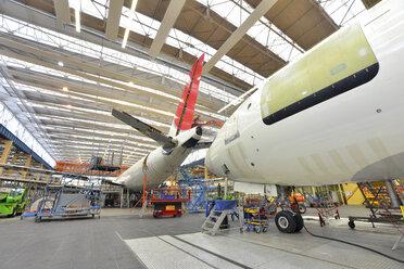 Airplane construction in a hangar - SCH000014