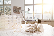Desktop with architectural model in architecture office - FKF000418