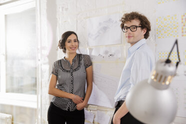 Portrait of two young architects in office - FKF000443