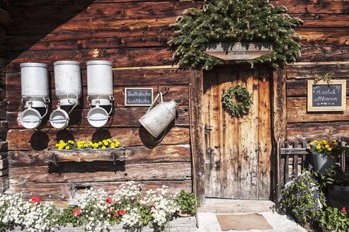 Austria, Salzburg State, Untertauern, Pongau, alpine cabin, milk churns - HHF004748