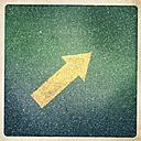 Austria, Horn, floor marking arrow - DISF000618