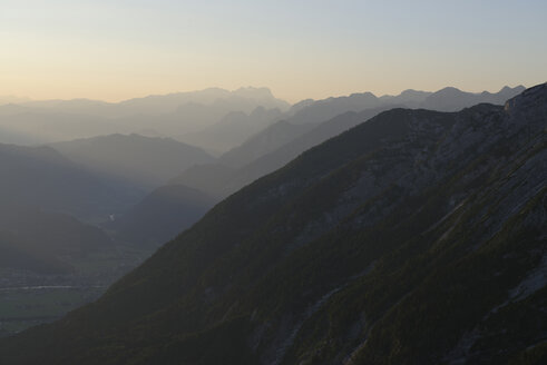 Germany, Upper Bavaria, Berchtesgadener Land, at Hohee Goell, View to Dachstein and Salzachtal valley, in the evening - LBF000629