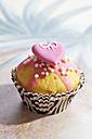 Decorated muffin in muffin paper - CSF020995