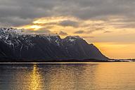 Norway, Lofoten, Sundown at the coastline of Vestvagoy - STS000326