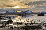 Norway, Lofoten, Sundown at the coastline of Vestvagoy - STS000328