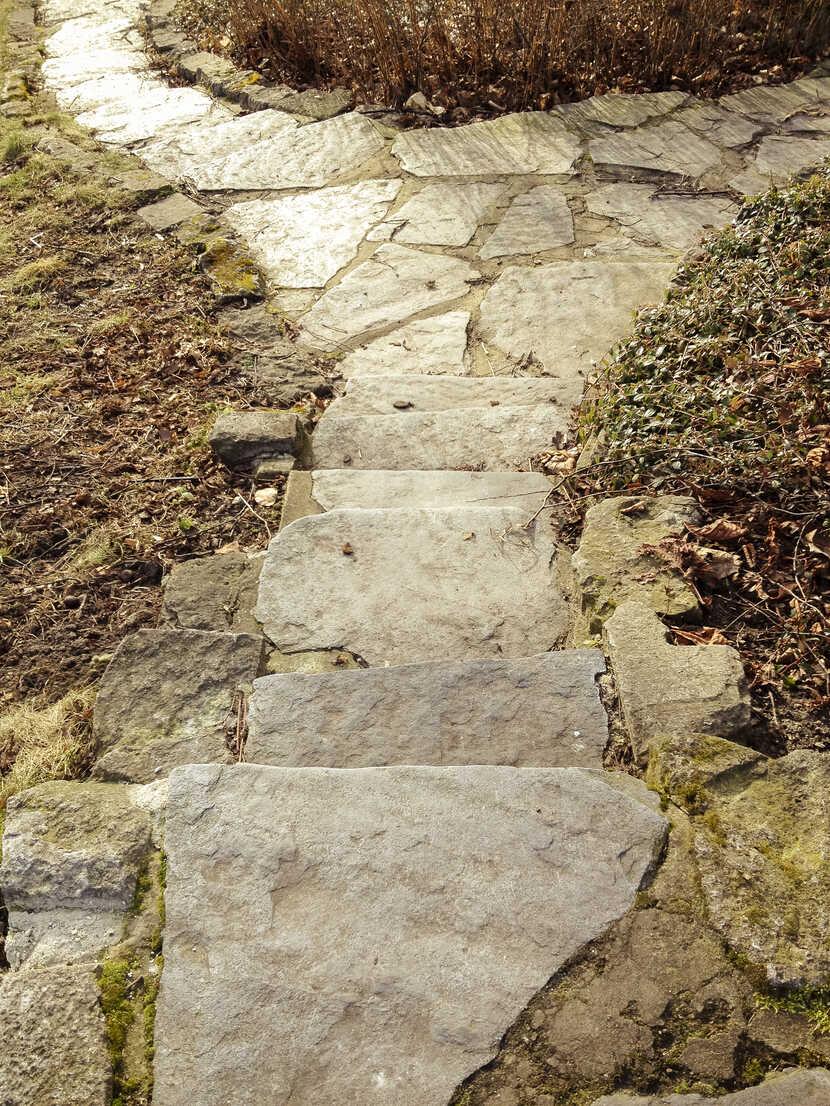 Stone walk, Weinberg Park, Berlin, Germany - FBF000269 - Frank Blum/Westend61