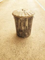metal trash bin, Berlin, Germany - FBF000260