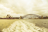 Australia, Sydney, view to Harbour bridge - FBF000280