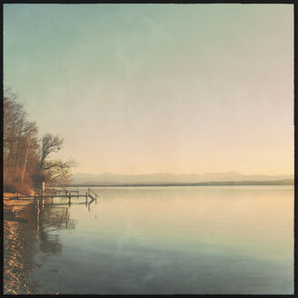 Lake Starnberg, Ambach, Sunset, Bavaria, Germany - GSF000798