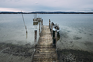 Germany, Baden-Wuerttemberg, Lake Constance, Iznang, Jetty - ELF000903