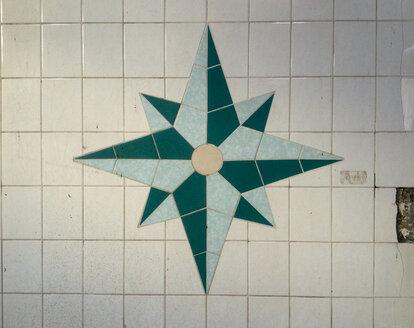 Green tiled compass - HC000012