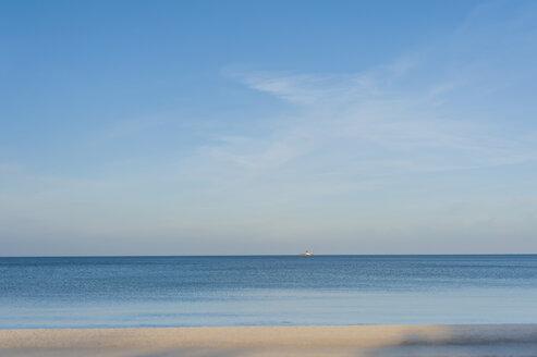 Germany, Mecklenburg-Western Pomerania, Ruegen, Binz, view to Baltic Sea - MJF000903