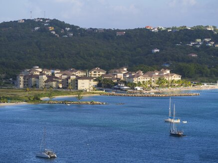 Caribbean, St. Lucia, View above Rodney Bay to marina - AM001896