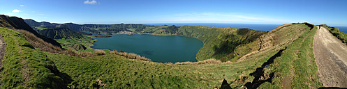 View from the rim of the Caldeira das Sete Cidades on the Lagoa Azul and Lagoa Verde, Sao Miguel, Azores, Portugal - ONF000430