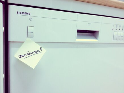 Dishwasher with Post it, Studio - RIM000186