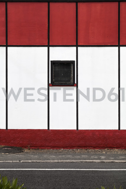 New Zealand, Ngatea, red and white facade, partial view - WV000502