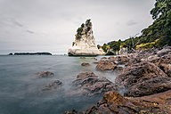 New Zealand, North Island, View of cathedral cove on coromandel peninsula - WV000481