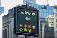 USA, New York, Manhattan, view to direction sign of subway - JWA000014