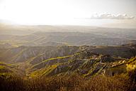 Italy, Tuscany, Volterra, rolling landscape - KVF000074