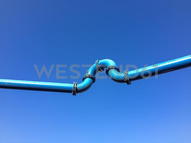 curved blue water tubes, Berlin, Germany - FBF000310 - Frank Blum/Westend61