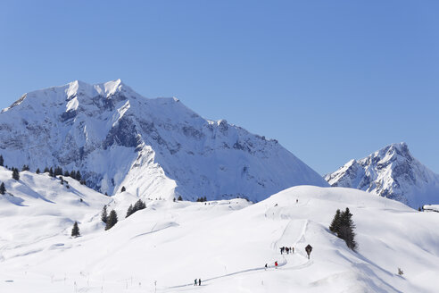 Austria, Vorarlberg, Bregenz Forest, View of Lechquellen Mountains, Hochtannberg Pass with Hochberg and Rothorn mountains - SIEF005217