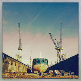 Dry dock of Blohm and Voss in the North Elbe, Hamburg, Germany - SE000647