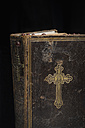 Antique bible with rosary - CRF002595