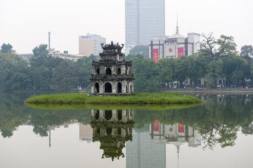 Vietnam, Hanoi,Turtle Pagoda in Hoan Kiem Lake - RJ000078