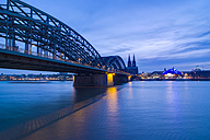 Germany, North Rhine-Westphalia, Cologne, View to Hohenzollern Bridge and Cologne Cathedral in the evening - PA000589