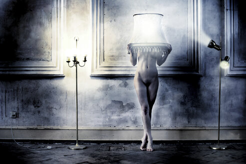 Female nude with lampshade - CvK000038