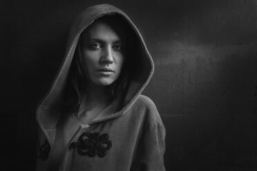 Portrait of woman wearing hooded jacket - CvK000057