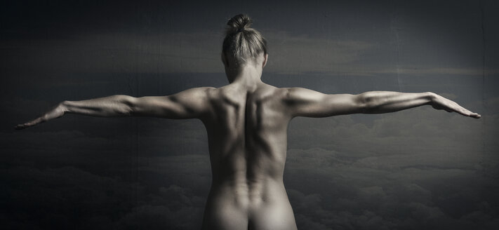 Female nude with arms outstretched - CvK000065