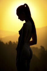 Silhouette of female nude outdoors - CvK000125