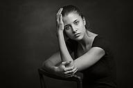 Portrait of a young woman - CvK000140