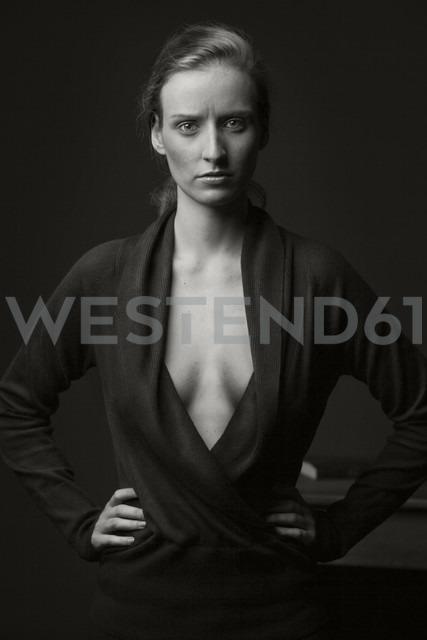 Portrait of a confident young woman - CvK000110