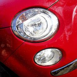 Germany, Baden-Wuerttemberg, Stuttgart, Fiat 500, headlights, paint, red - WDF002456
