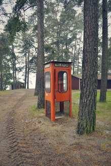 Sweden, Karlstad, Abandoned telephone booth in the woods - BR000270